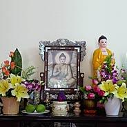 Cách Thức Trang Thiết Bàn Phật Và Lễ Phật