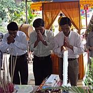 Muốn Cứu Thân Bằng Quyến Thuộc Hãy Niệm Phật