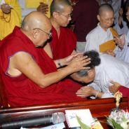 Chuyên Tu Pháp Hệ Niệm Hiện Đời Hành Nhân Sẽ Thấy Phật Hay Được Phật Xoa Đảnh