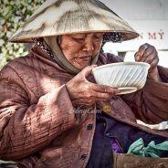 Đời Trước Không Tu Bố Thí Nên Đời Này Chịu Nghèo Khổ