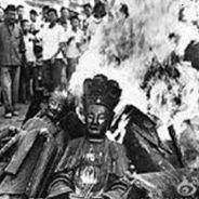 Hủy Hoại Tượng Phật Cả Nhà Bị Chết Cháy