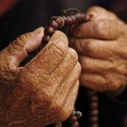 Một Cư Sĩ Già Mật Hạnh Niệm Phật Ngồi Tự Tại Vãng Sanh